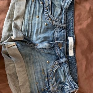 Jean shorts with studs